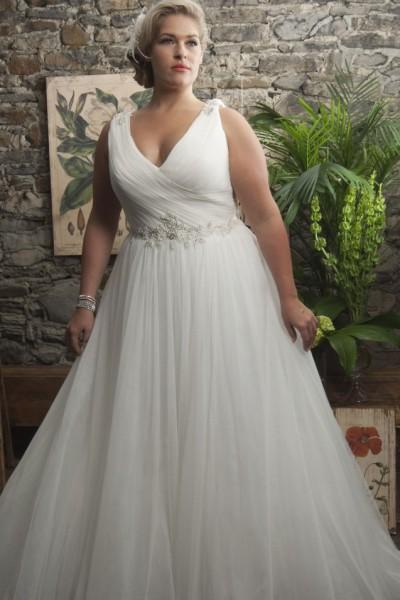 83f74385b2 10 csodaszép plus size menyasszonyi ruha   Plus Size